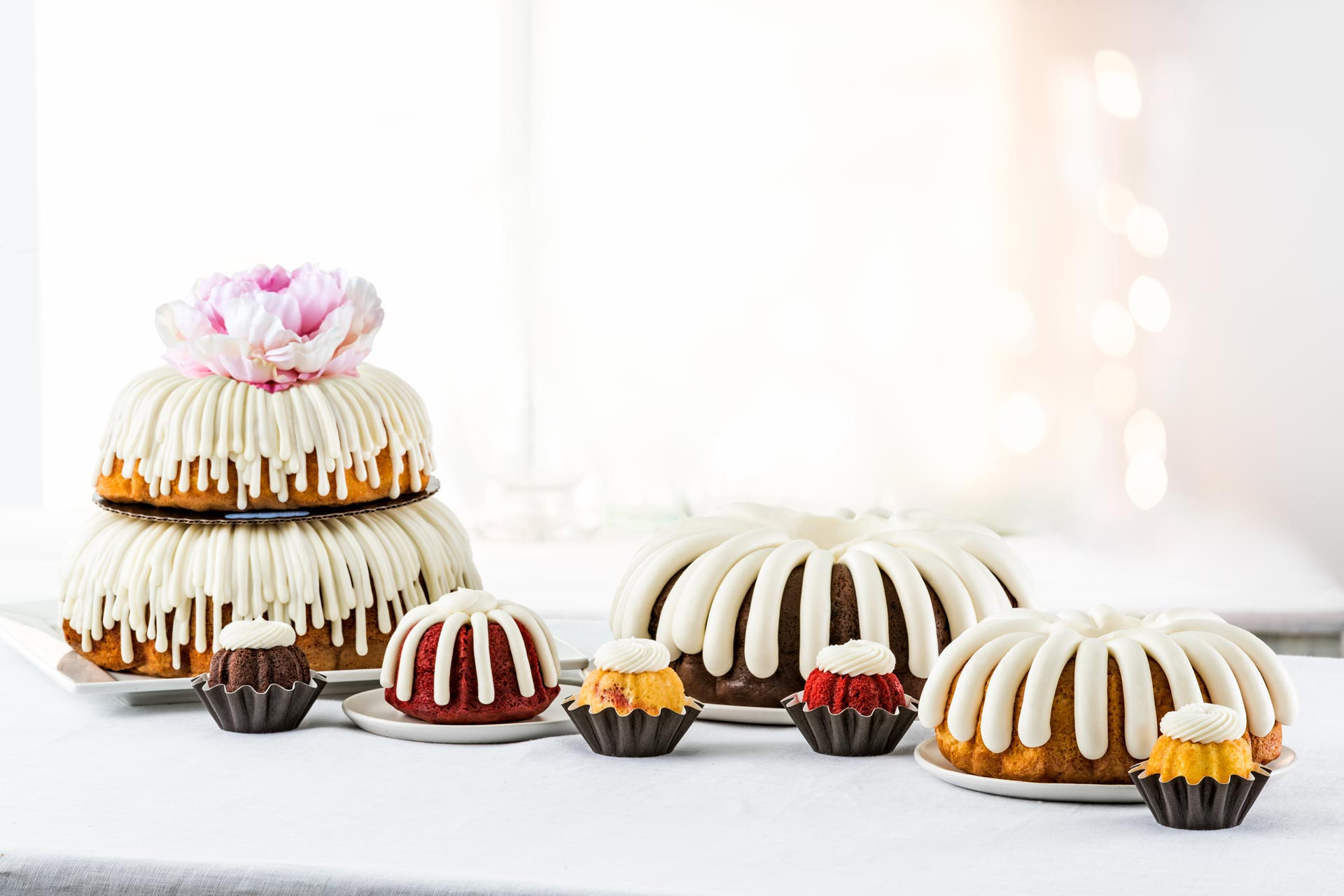 Bundt cakes in full size, bundtlets, and bundtinis